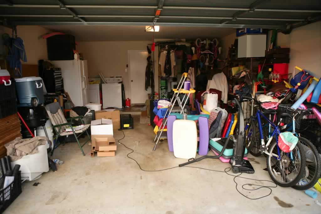 Do you have a Garage full of things you just don't need? We can help!-garage-cleanups-01