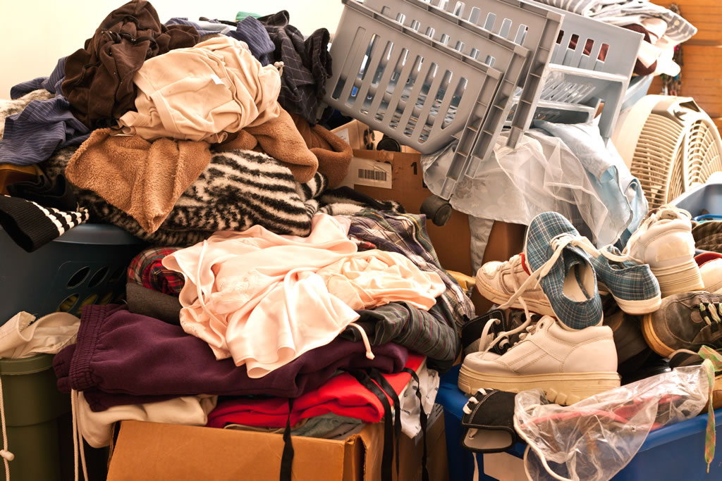 Understanding Hoarding and How to Help:image ho-001